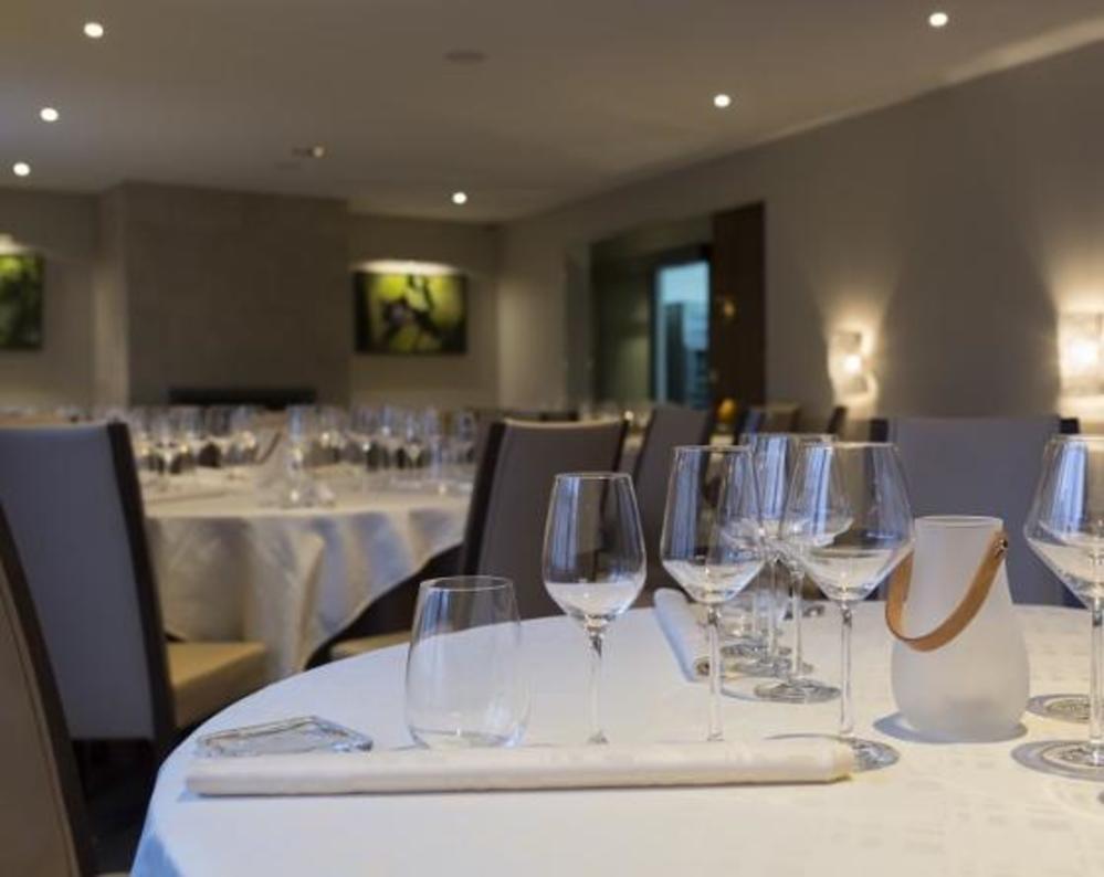 3 Star Hotel Restaurant Vaux En Beaujolais Auberge De Clochemerle
